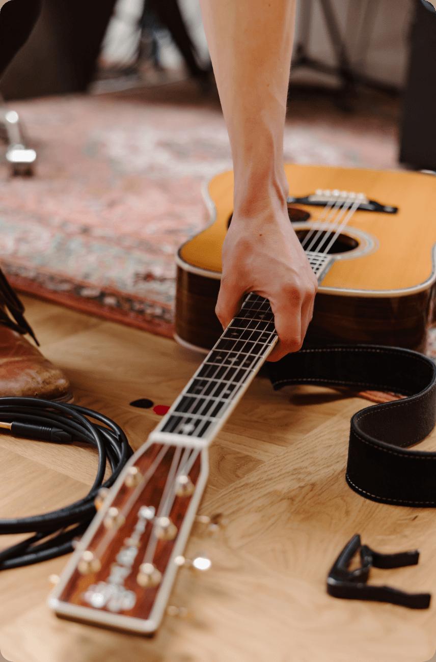 10_Acoustic_Adventure_Guitar@2x