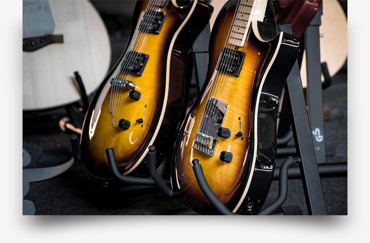 18_Guitars_III@2x