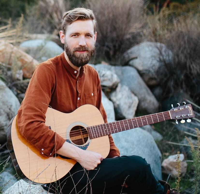 31_Acoustic_Adventure_Mobile_Paul@2x