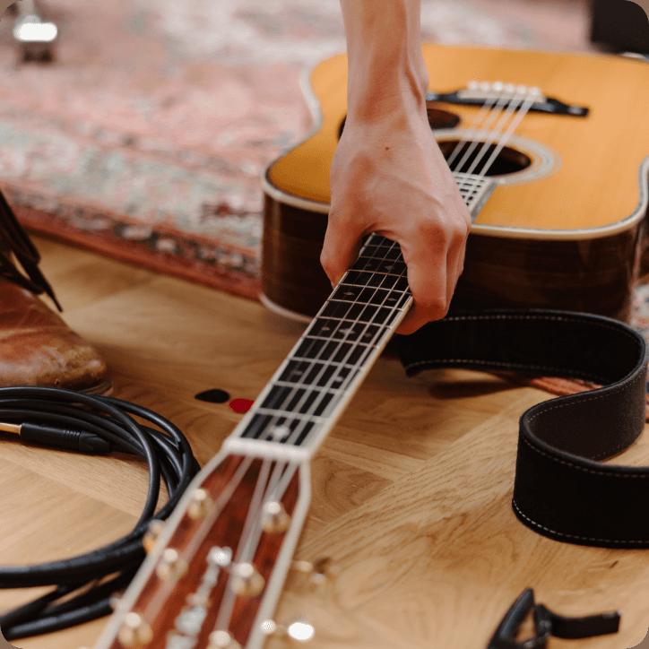 9_Acoustic_Adventure_Guitar_Mobile@2x
